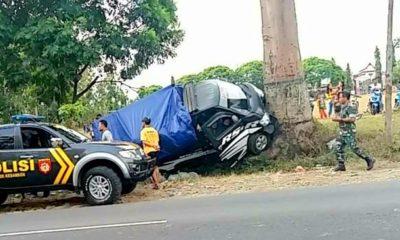 Kecelakaan Beruntun, Pick Up Masuk Parit