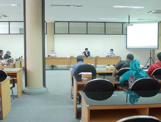 Rapat Banmus DPRD Kabupaten Blitar terkait perubahan agenda rapat yang telah terjadwal pada bulan Agustus