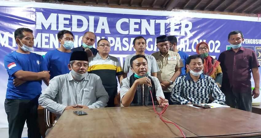 Pasangan nomor 2 Mak Rini - Makdhe Rahmat mendeklarasikan kemenangannya dalam Pemilhan Bupati dan wakil Bupati Blitar Tahun 2020 atas pasangan petahana nomor 1 Rijanto - Marhaenis Urip Widodo.